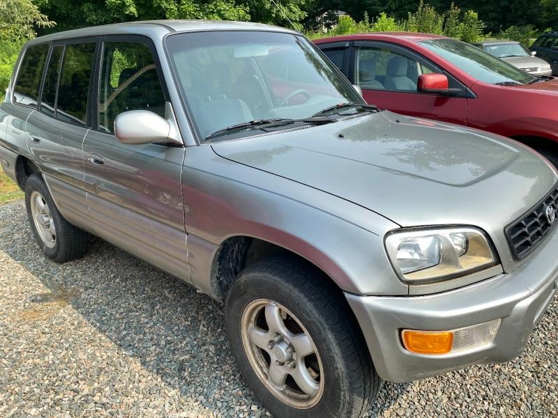 Toyota RAV4 1999 price $3,775
