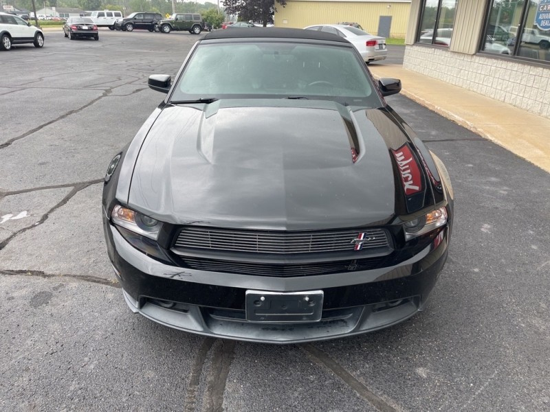 FORD MUSTANG 2011 price $23,995