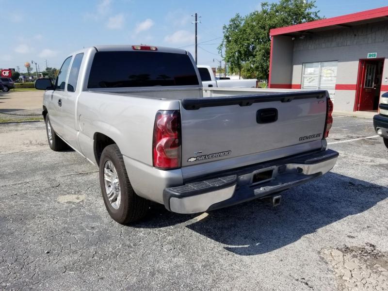 Chevrolet Silverado 1500 2004 price $7,995