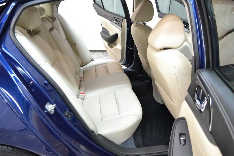 Nissan Maxima 2017 price $18,500