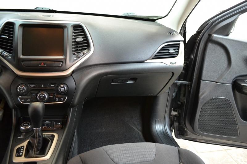 Jeep Cherokee 2015 price $14,995
