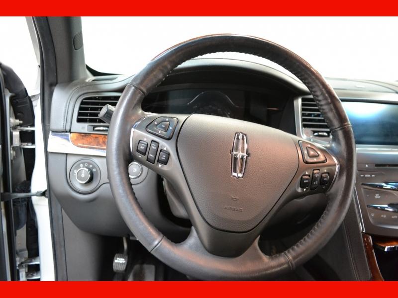 Lincoln MKS 2014 price $13,450