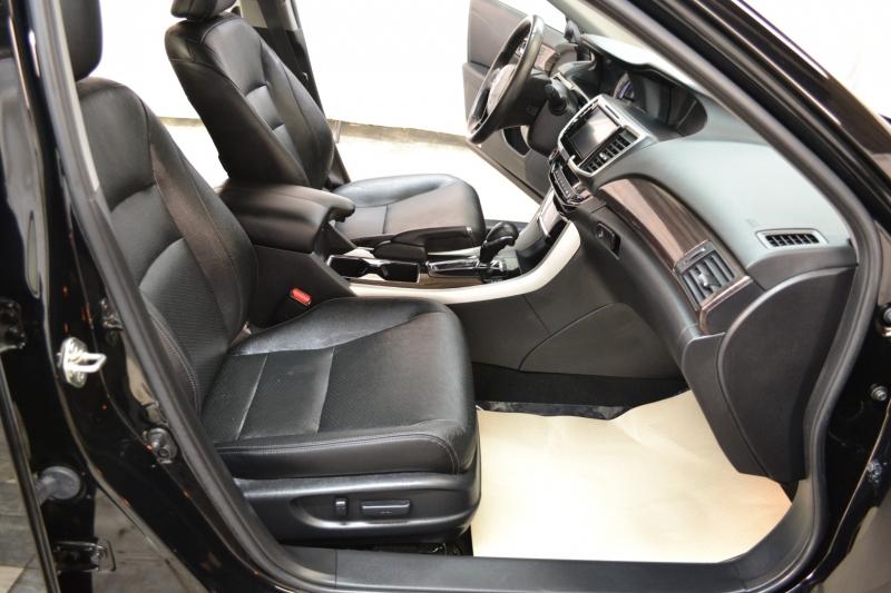 Honda Accord Sedan 2017 price $18,995