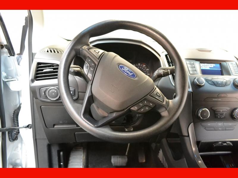 Ford Edge 2019 price $18,995