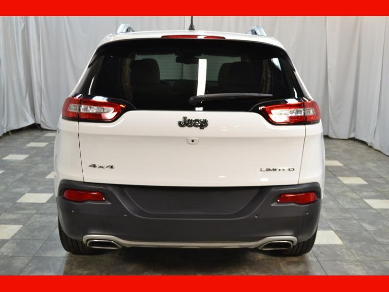 Jeep Cherokee 2018 price $21,995