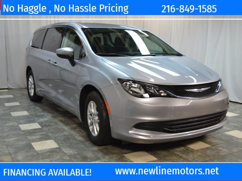 Chrysler Pacifica 2019 price $21,395