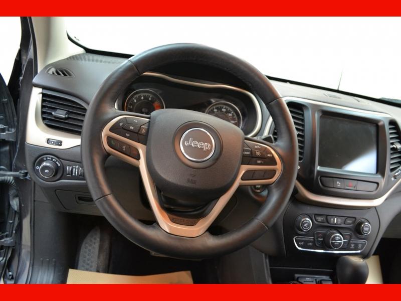Jeep Cherokee 2017 price $16,995