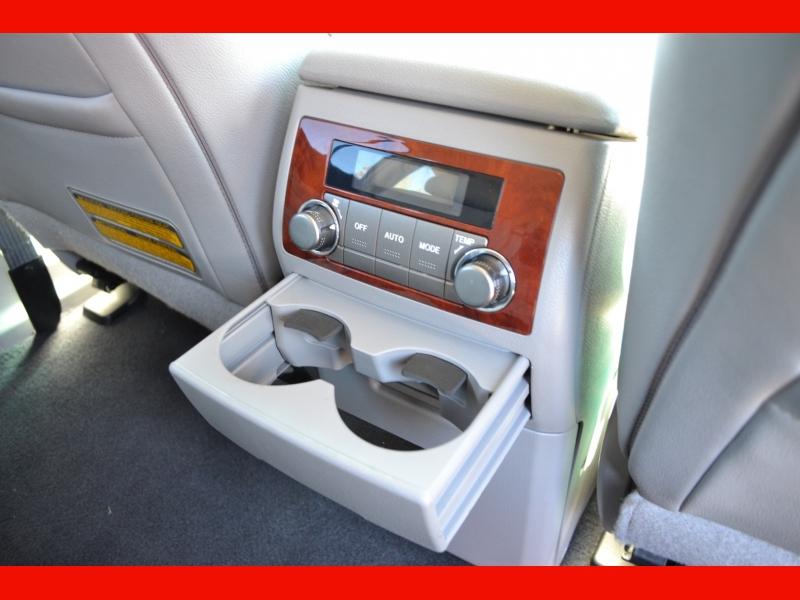 Toyota Highlander 2012 price $18,495