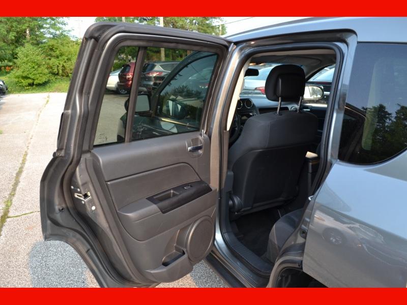 Jeep Compass 2012 price $9,495