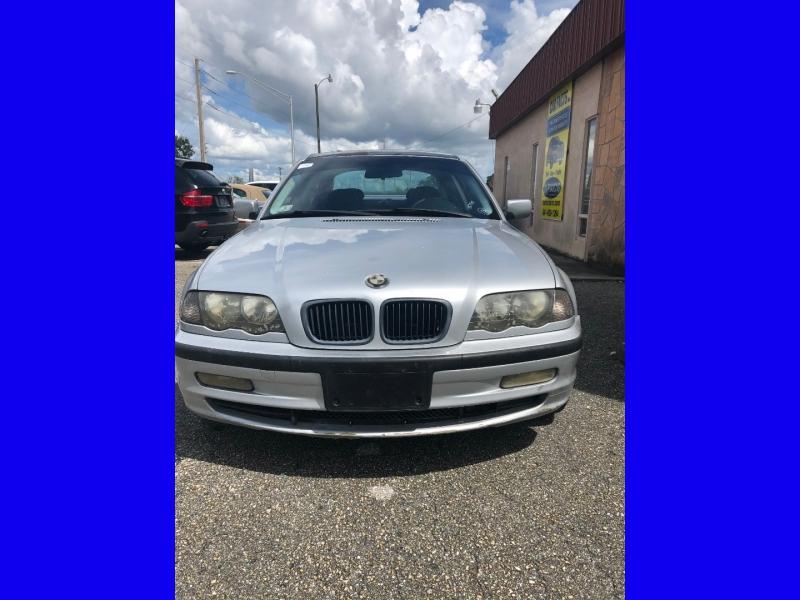 BMW 3-Series 1999 price $1,650