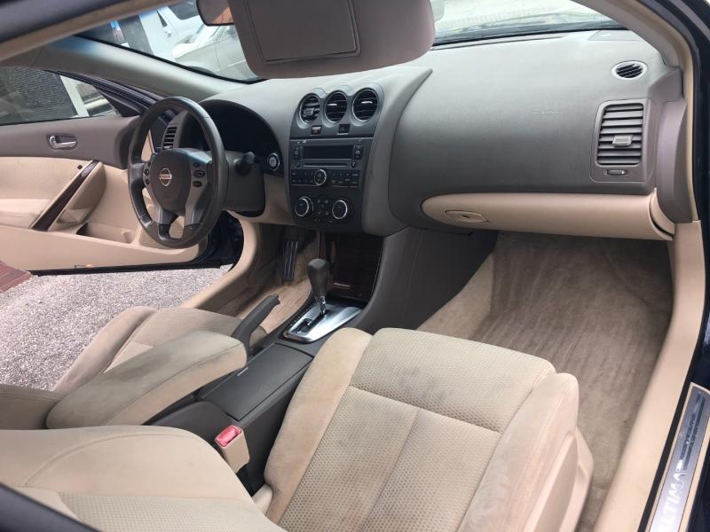 Nissan Altima 2010 price $1,999