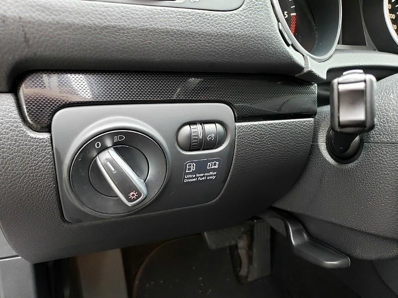 Volkswagen Jetta 2011 price $8,900