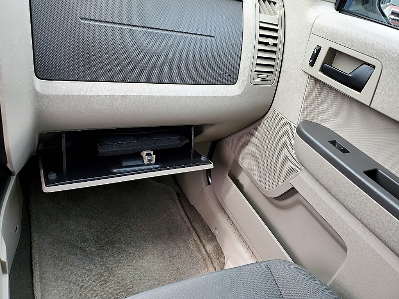 Ford Escape 2011 price $12,900