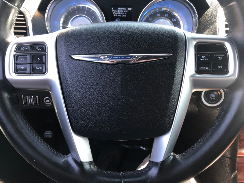 Chrysler 300 2013 price $8,991