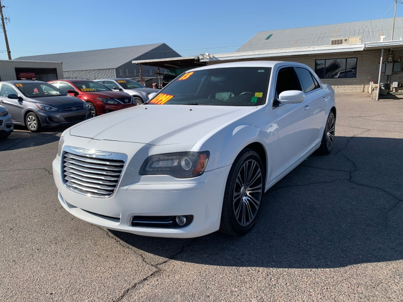 Chrysler 300 2013 price $11,991