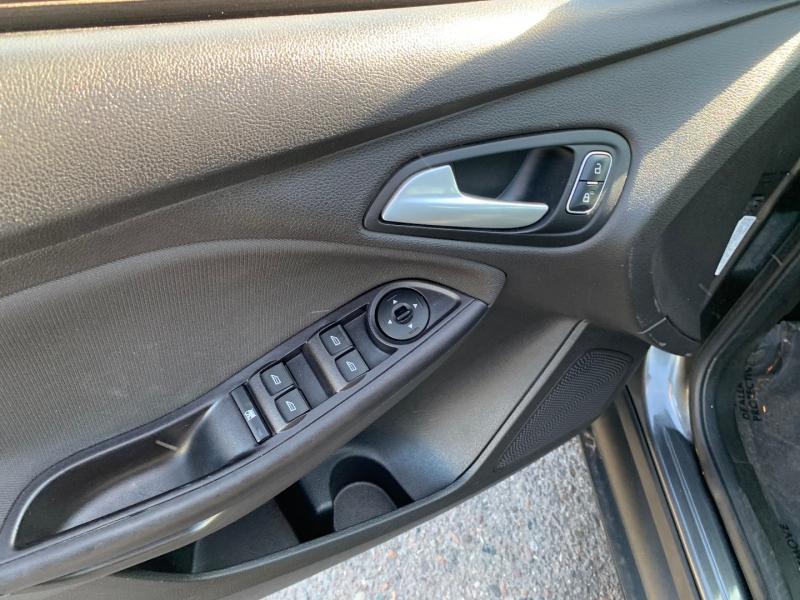Ford Focus 2017 price $6,991