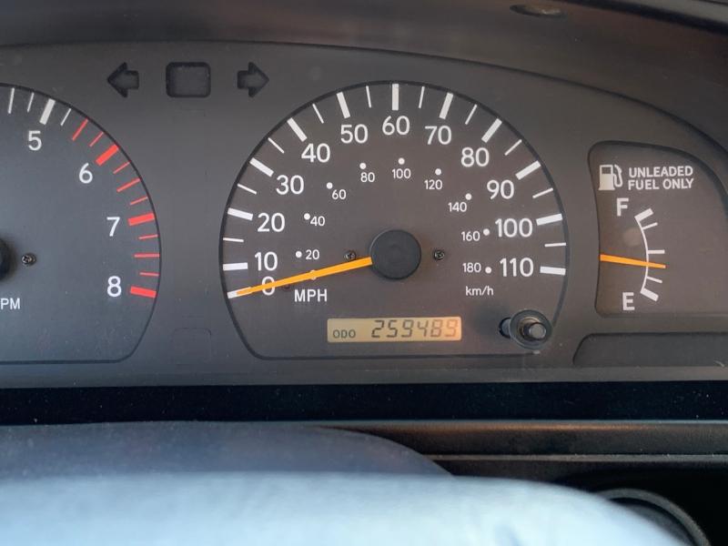 Toyota Tacoma 2000 price $7,995 Cash