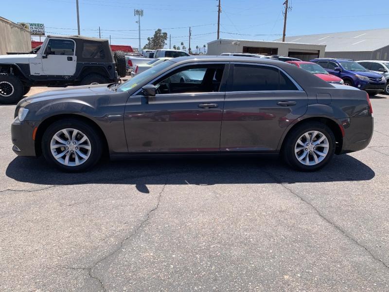 Chrysler 300 2016 price $15,991
