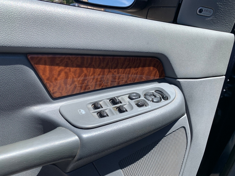 Dodge Ram 3500 2006 price $32,991