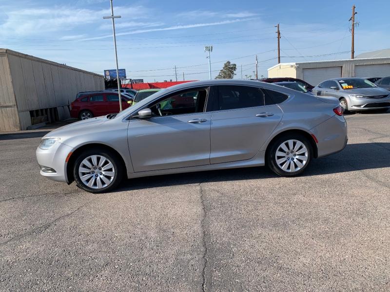 Chrysler 200 2015 price $10,491