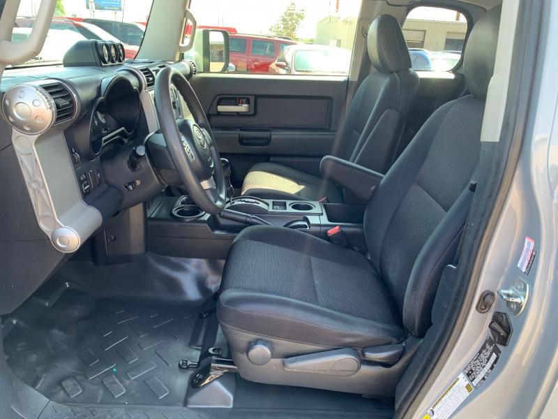 Toyota FJ Cruiser 2014 price $28,491
