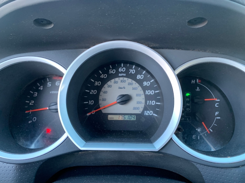 Toyota Tacoma 2006 price $11,991