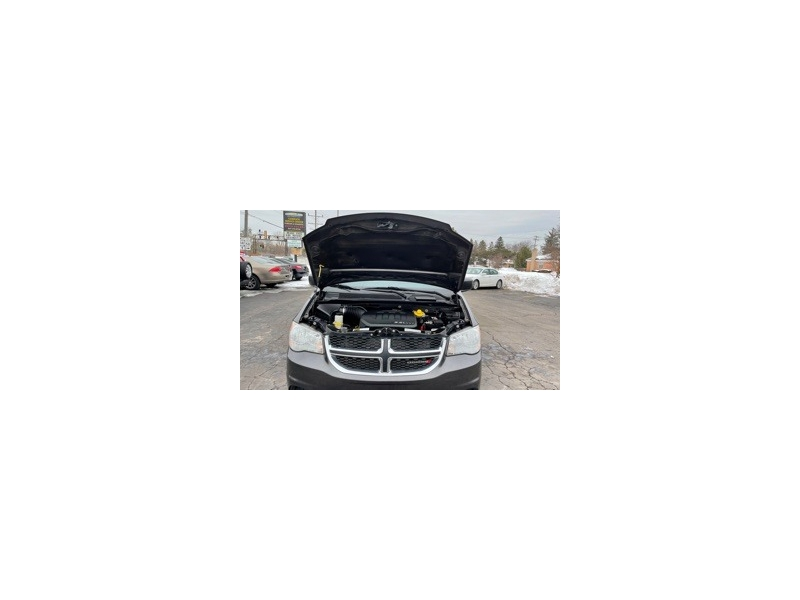 Dodge Grand Caravan 2016 price $10,595