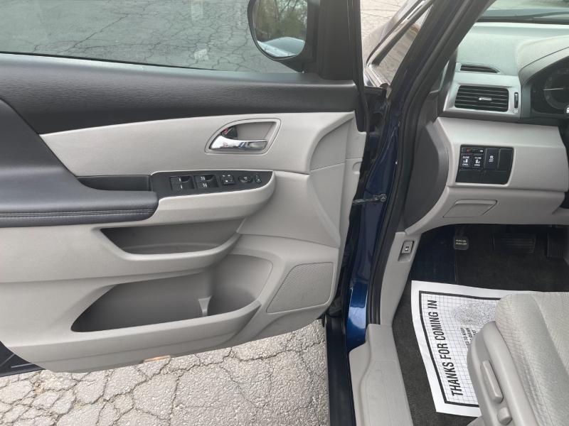 Honda Odyssey 2016 price $17,595