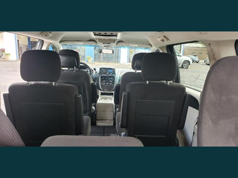 Dodge Grand Caravan 2015 price $11,595
