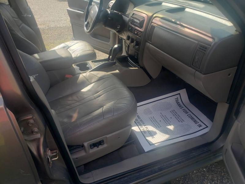 Jeep Grand Cherokee 2002 price $4,990