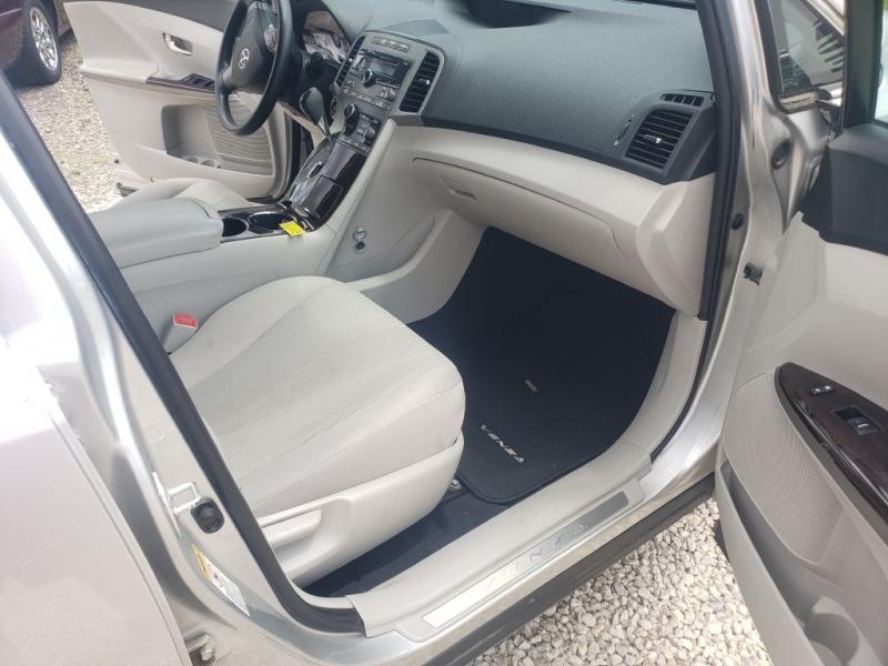 Toyota Venza 2009 price $9,980