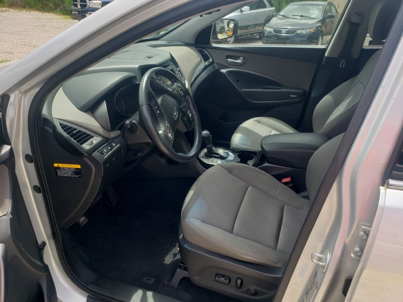 Hyundai Santa Fe 2013 price $9,990