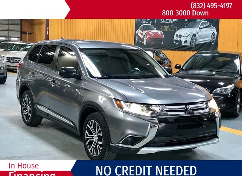 Mitsubishi Outlander 2017 price Call for Pricing.