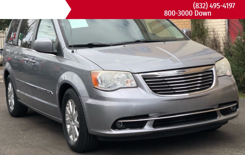 Chrysler Town and Country 2013 price $5,995