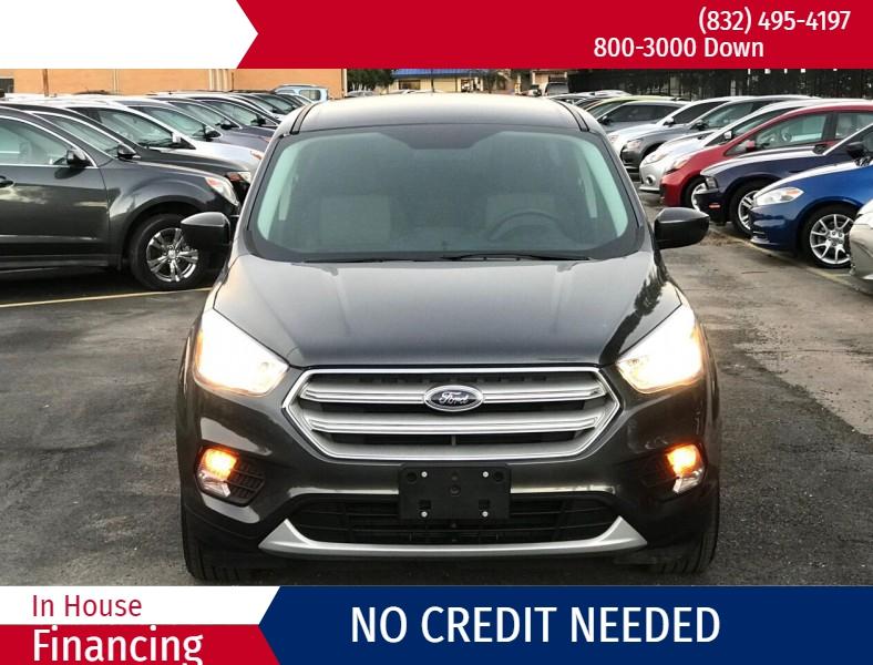 Ford Escape 2019 price $1,500