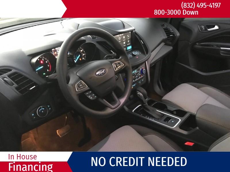 Ford Escape 2019 price $3,000
