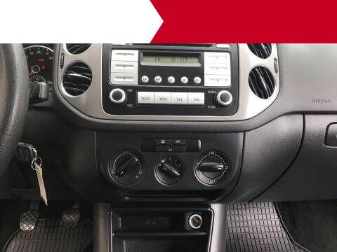 Volkswagen Tiguan 2010 price $5,995
