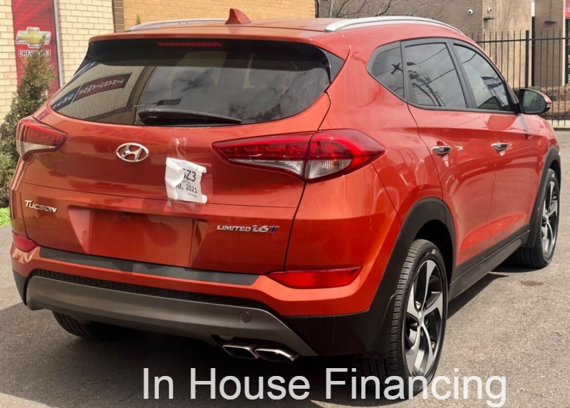 Hyundai Tucson 2016 price Call for Pricing.