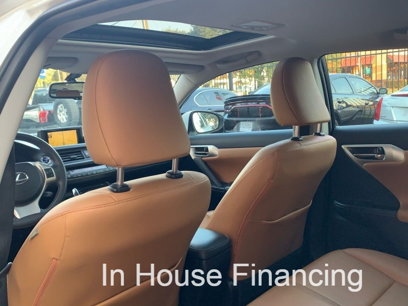 Lexus CT 200h 2012 price $8,995