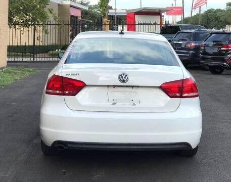 Volkswagen Passat 2013 price $5,995