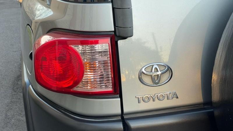 Toyota FJ Cruiser 2009 price $13,995