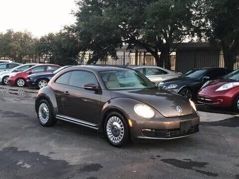 Volkswagen Beetle 2015 price $6,495