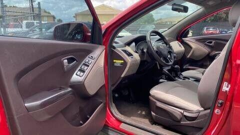 Hyundai Tucson 2015 price $7,995