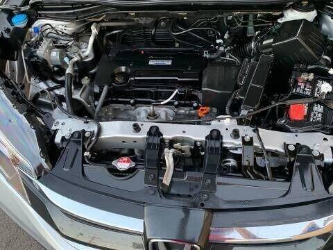 Honda CR-V 2016 price $15,995