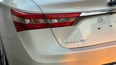 Toyota Avalon Hybrid 2015 price $18,995