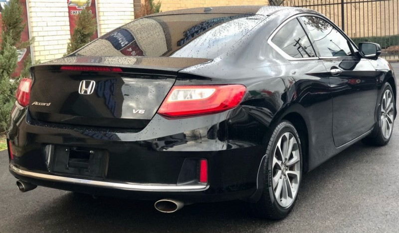 Honda Accord 2013 price Call for Pricing.