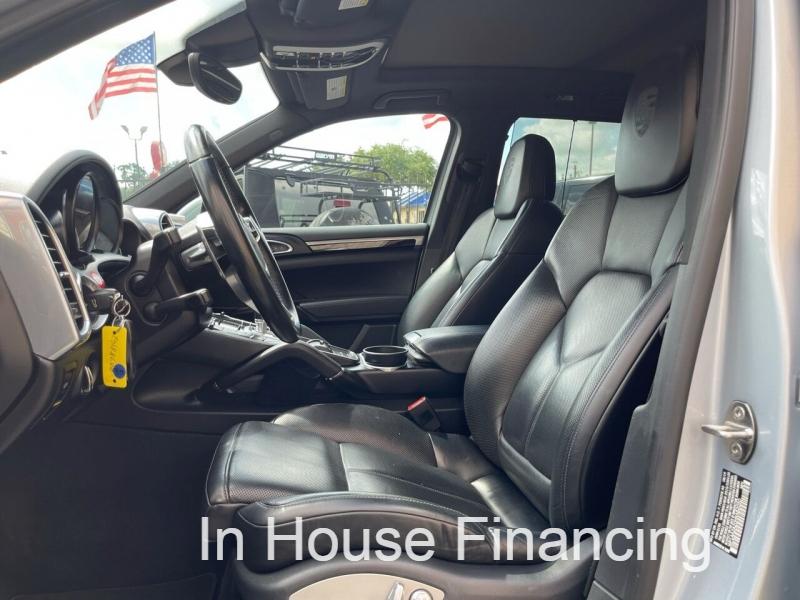 Porsche Cayenne 2017 price $39,995
