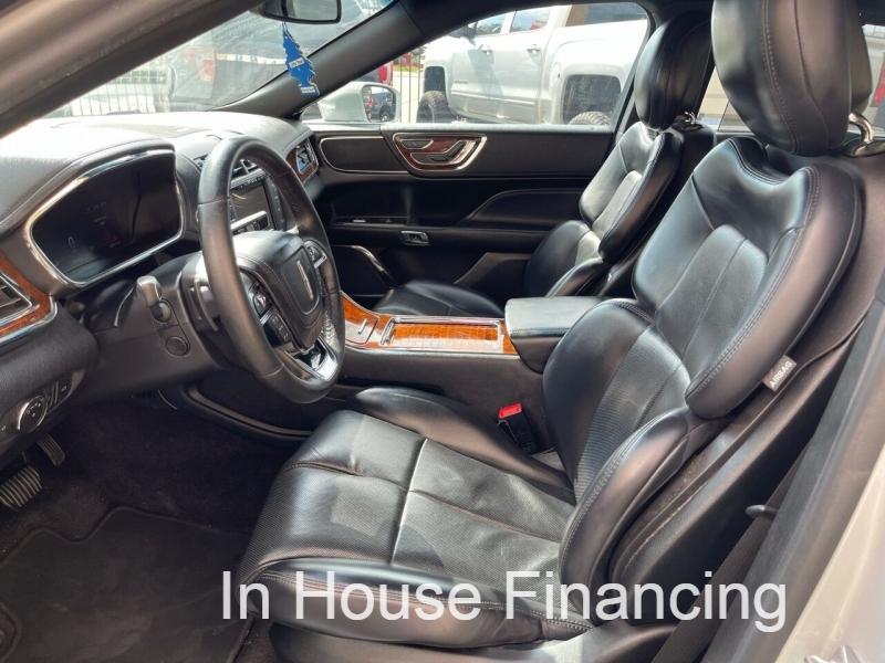 Lincoln Continental 2018 price $20,995