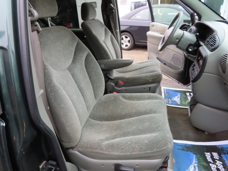 Dodge Caravan 2000 price $2,995