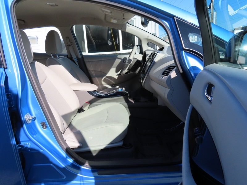 Nissan LEAF 2011 price $4,995
